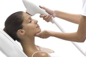 IPL – cómo deshacerse del vello, deshacerse del acné y reducir las arrugas.