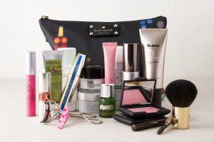 Destino de vacaciones! ¿Qué cosméticos debes llevar contigo?